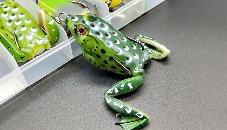 Лягушка незацепляйка с лапками