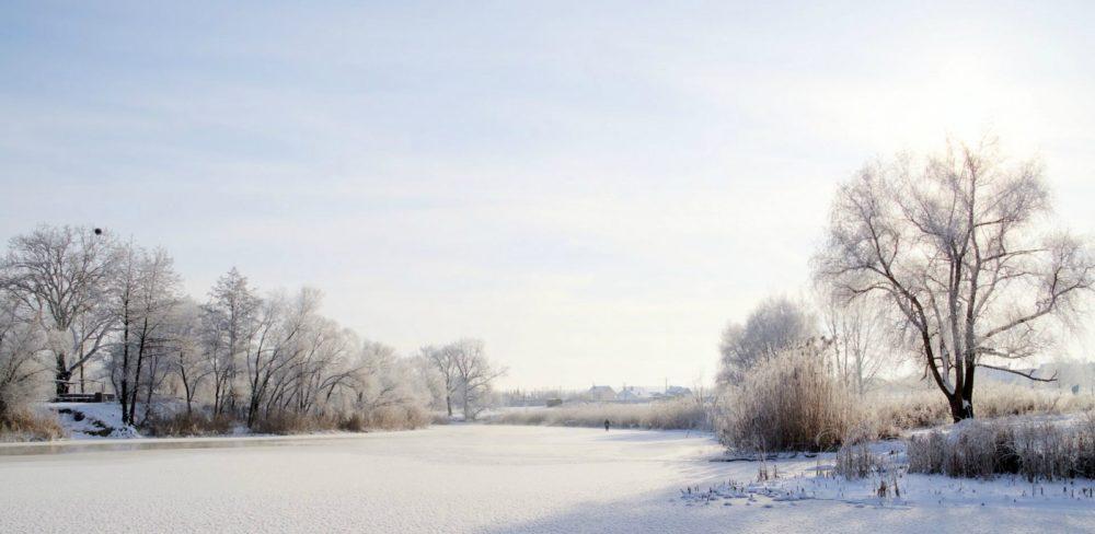 На реке зимой