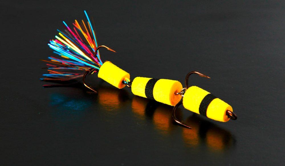 Мандула с ярким разноцветным хвостиком