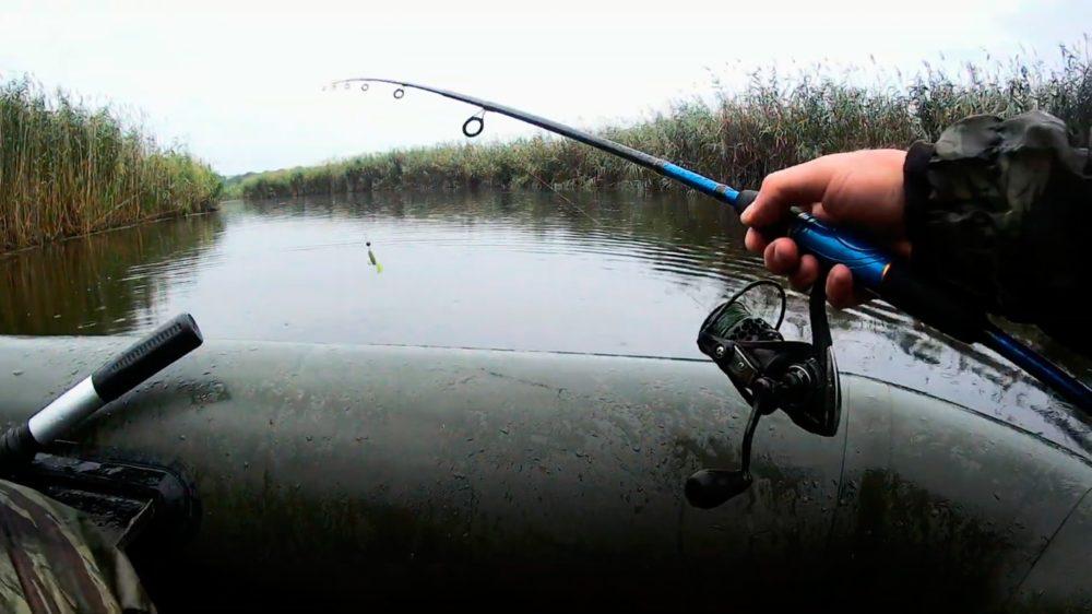 Ловля щуки на спиннинг в дождливую погоду